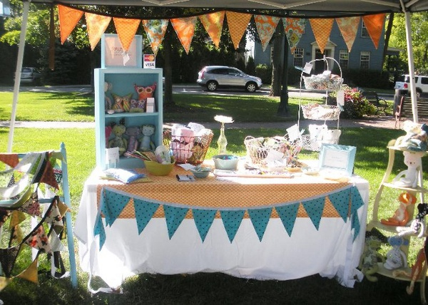Craft business advice 4 easy ways to expand your handmade for Easy craft fair ideas