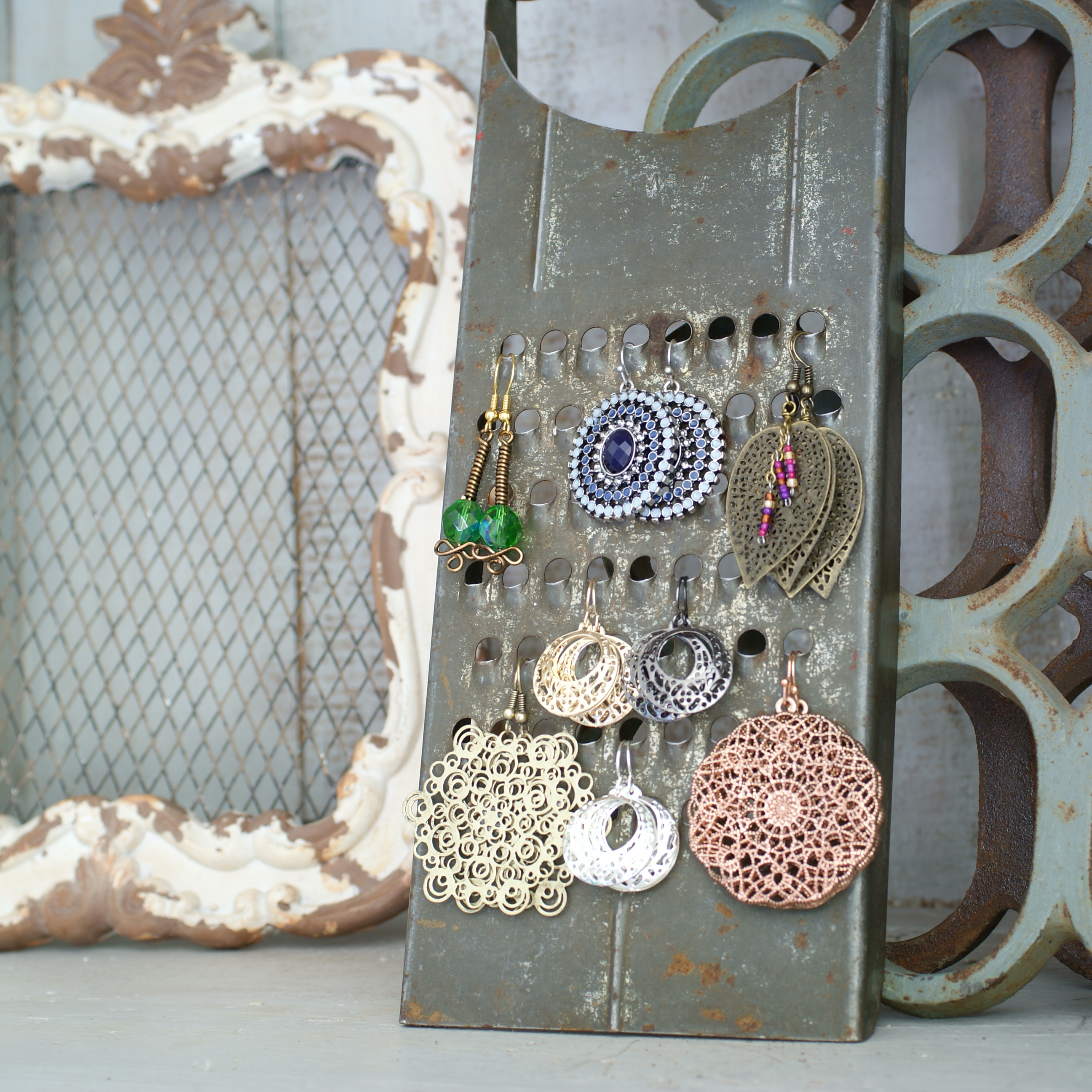 Diy jewelry display ideas that will rock your next craft booth vintage grater earring display from saved by love creations solutioingenieria Images