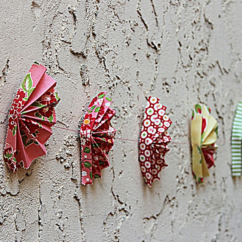 Fan-ciful Fabric Garland